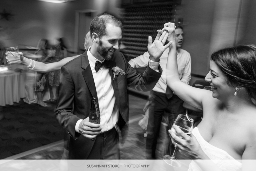 golden-hotel-wedding-dancing