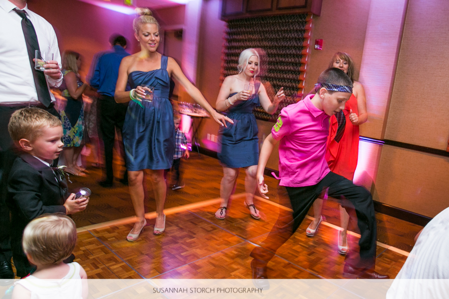 golden-hotel-wedding-reception-dancing